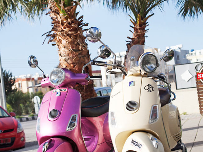 CYPERN_moped_norra_cypern_magasinet_north_cyprusjpg