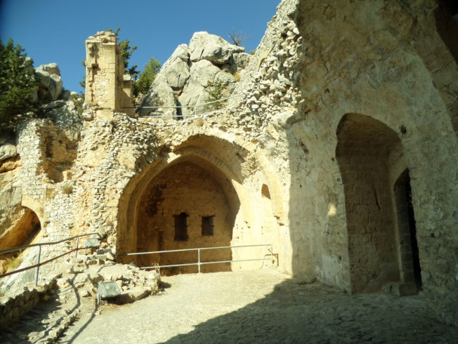St.hilarion_borg_norra_cypern
