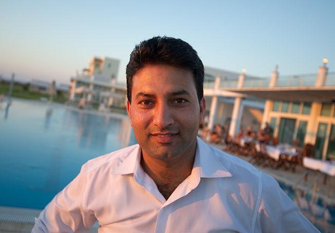 Imran_ramadan_potratt_pool_norra_cypern_north_cyprus