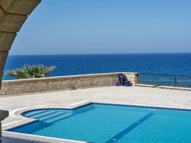 dagens_bild_pool_hav_norra_cypern_north_cyprus_pool_ocean_sea_villa