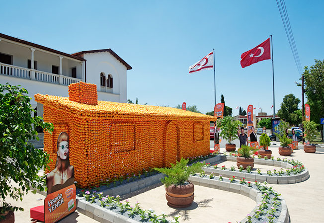 festival_norra_cypern_north_cyprus_hus_orange_1