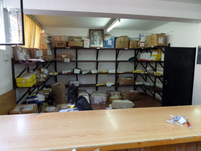paketen_tullen_vid_paketutlamning_norra_cypern_post_office_north_cyprus