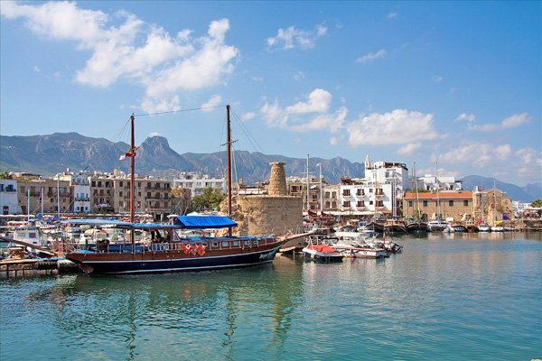 Kyrenia-harbour-boats-north-cyprus