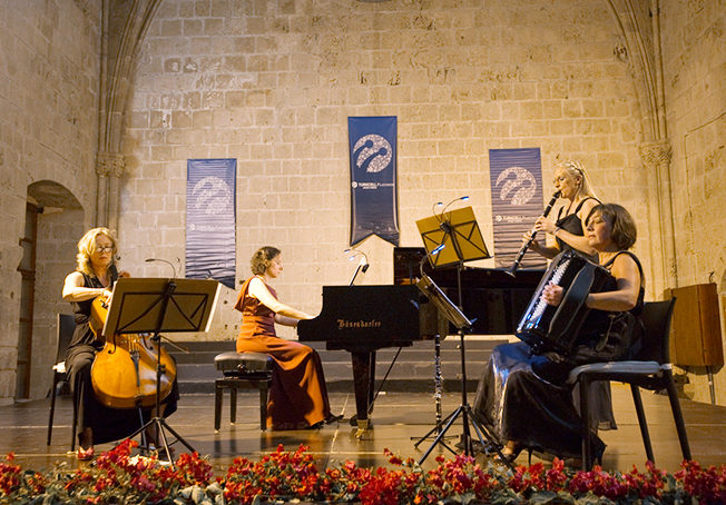 north-cyprus-danish-quartet-tango-catz-bellapais-abbey