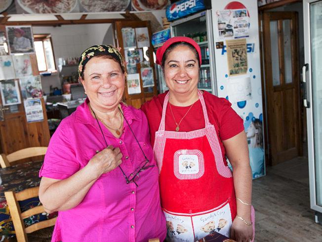 north-cyprus-ladies-in-restaurant