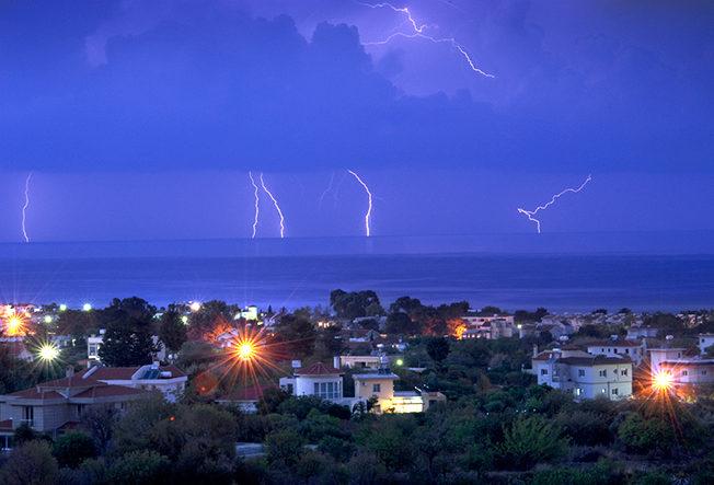 north-cyprus-lightning-show-lapta