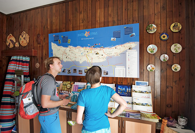 north-cyprus-turist-info-people-looking-at-map