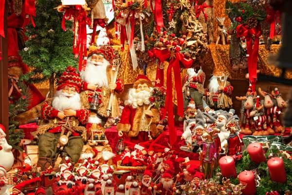 christmas-stall-lambousa-market-north-cyprus1