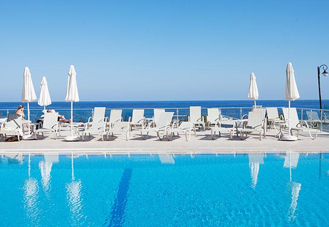 norra-cypern-sol-hav-pool
