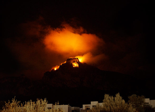 north-cyprus-st-hilarion-mysterious-night-sky