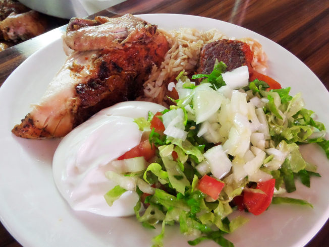 magarina-Bulli-chicken-sallad-yogurt