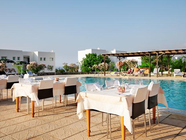 north-cyprus-joya-bar-bistro-pool-table-chairs-essentepe