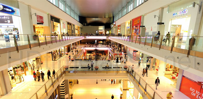 north-cyprus-shopping-malls-people-shopping