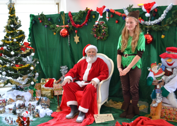 santa-with-elf-north-cyprus-KAR-bazaar