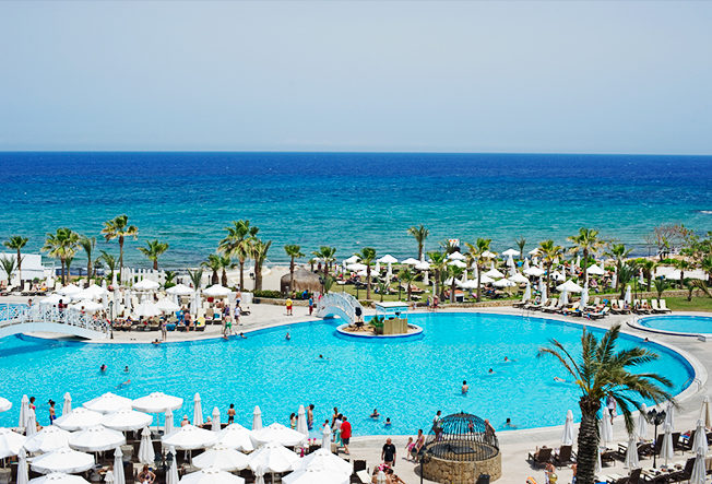 acapulco-hotel-pool-area-north-cyprus-swimming