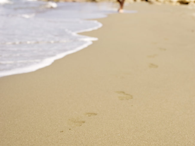 PET_north-cyprus-2015-beach-foot-steps-0001