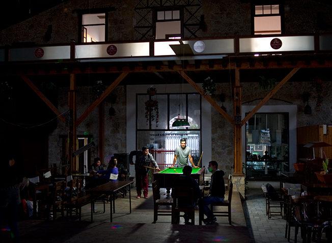 PET-north-cyprus-2015-Grand-old-bazaar-billiard-pool-table