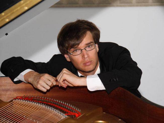 Pablo-Galdo-spanish-pianist-north-cyprus