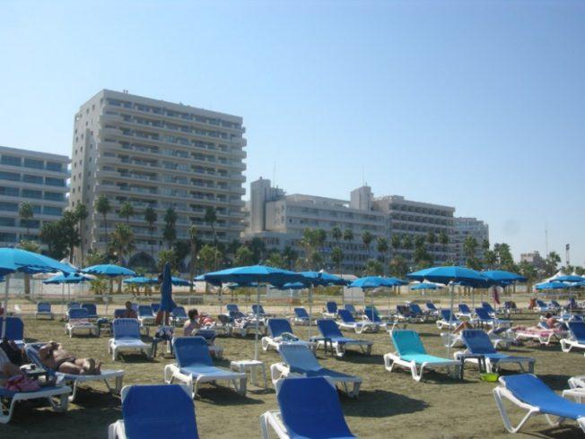 larnaca-phinikoudes-hotels-Cyprus-beach-resort