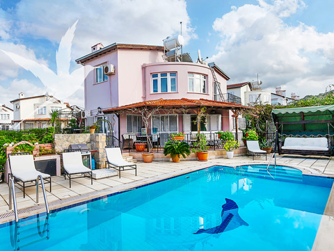 north-cyprus-pink-house-in-esentepe