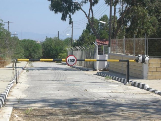 Dherynia-border-crossing-north-cyprus
