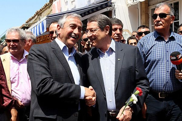 Anastasiades-and-President-Akinci-attend-bi-communal-concert