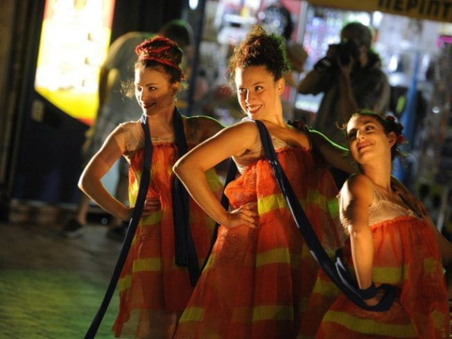 Dancing-in-the-streets-women