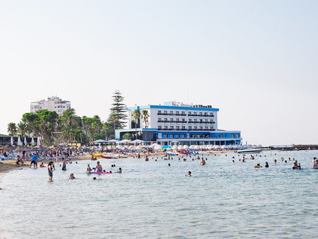 north-cyprus-heat-attracts-tourists-to-Palm-Beach