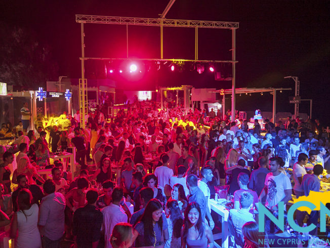 north-cyprus-summer-2015-party-crowd-locca