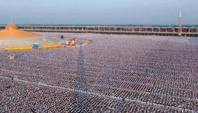 1 million children praying for world peace in Thailand
