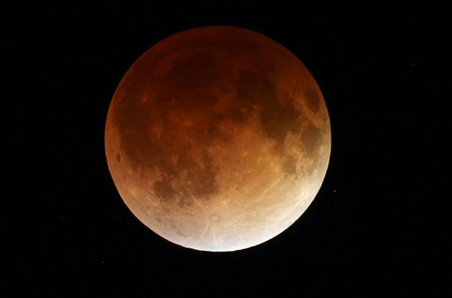 super-moon-blood-moon