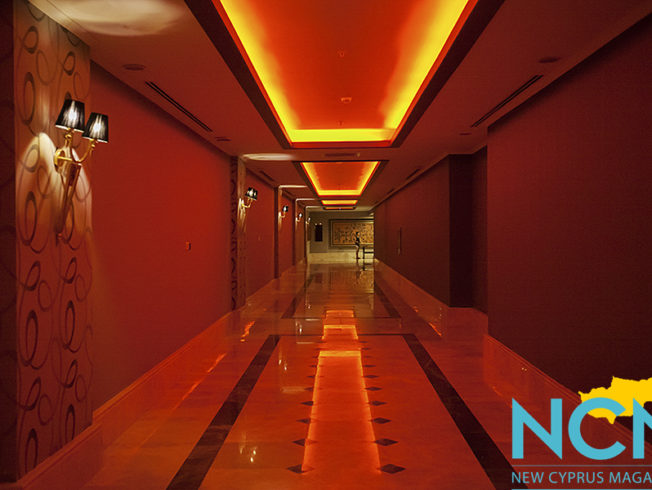 north-cyprus-2015-cratos-hotel-corridor-red-light