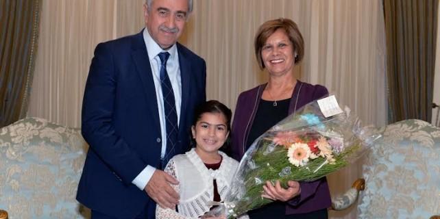 President-Mustafa-Akıncı-and-pianist-Suna-Alsancak