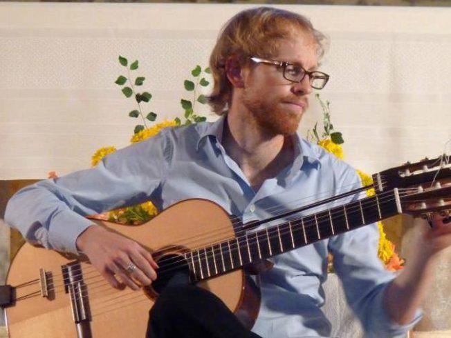 Florian-Larousse-guitarist