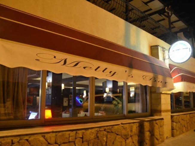 Melly's Bar