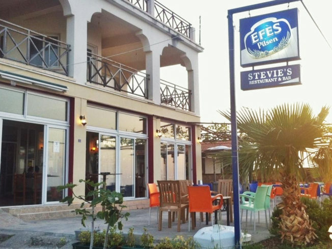 Stevie's Restaurant & Bar