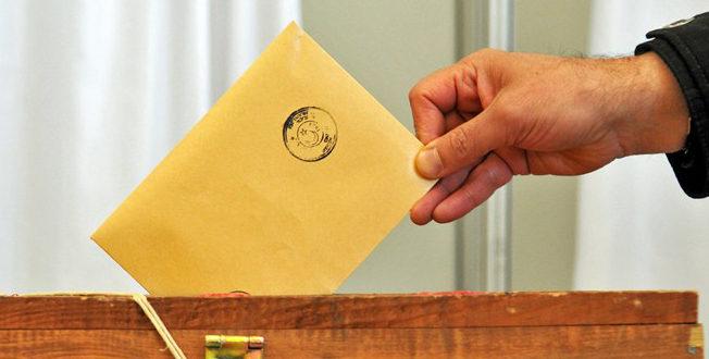 Turks Cyprus vote referendum